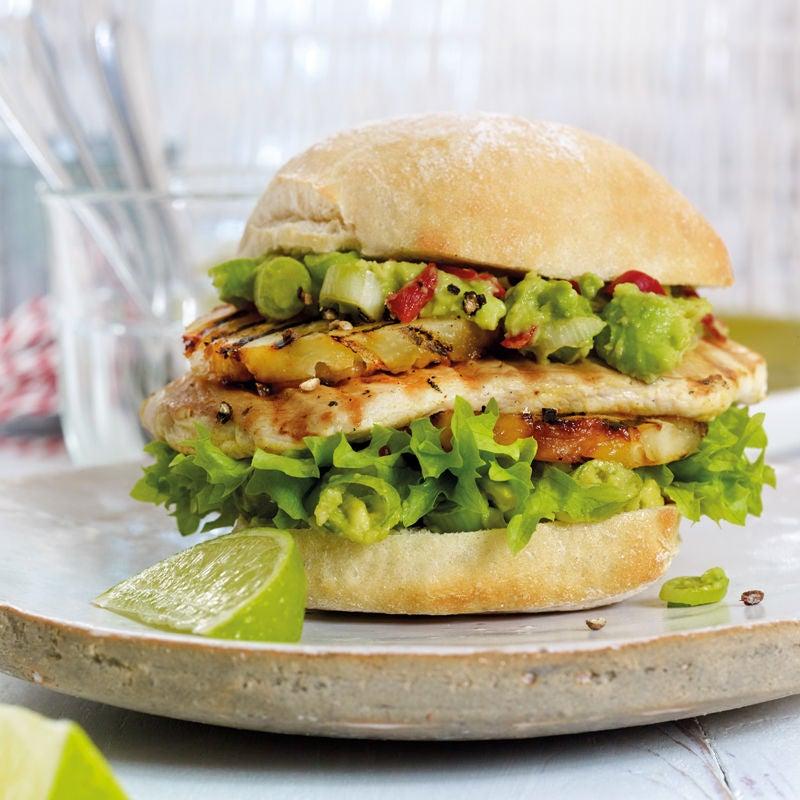 Foto Ananas-Chicken-Burger mit scharfer Guacamole von WW