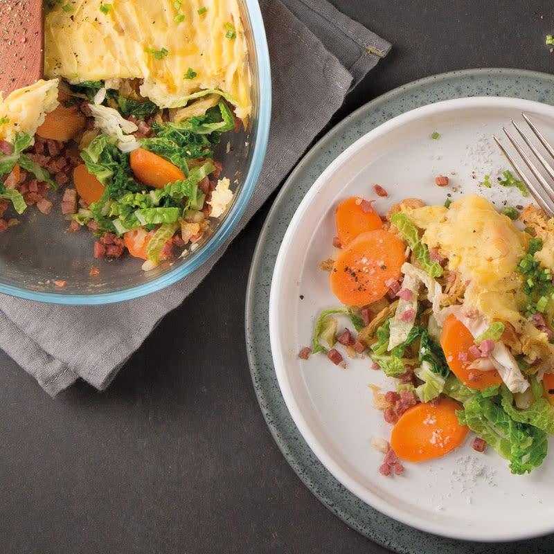 Foto Auflauf mit Speckwürfeli, Wirz und Kartoffelhaube von WW