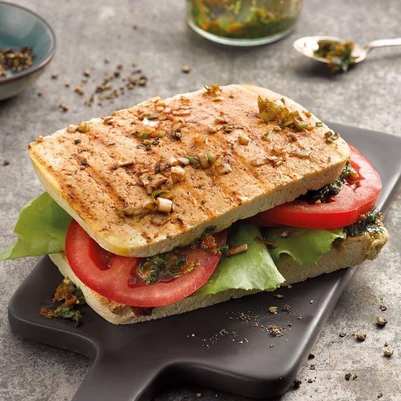 Photo de Sandwich de tofu et pesto de tomates aux herbes prise par WW