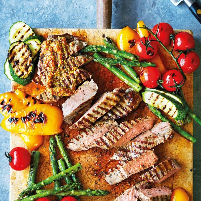 Photo de Steaks BBQ et légumes grillés prise par WW