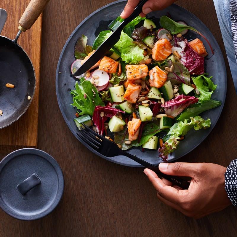 Photo de Salade composée au saumon et aux graines prise par WW
