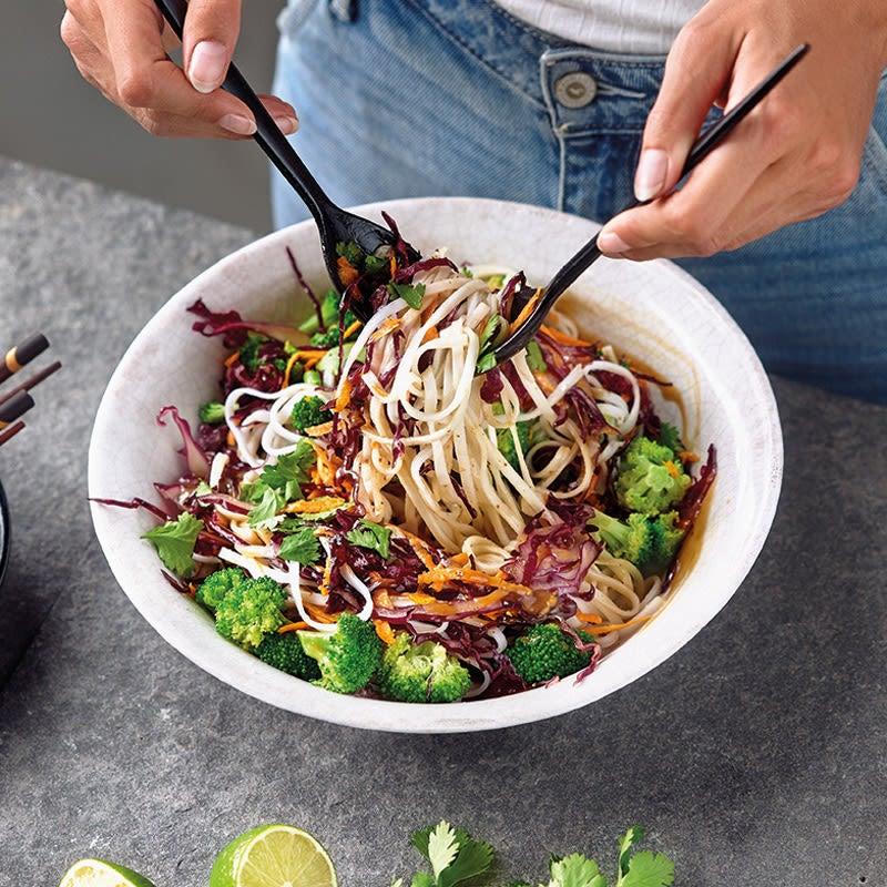 Photo de Salade de nouilles de riz et vinaigrette à la cacahuète prise par WW