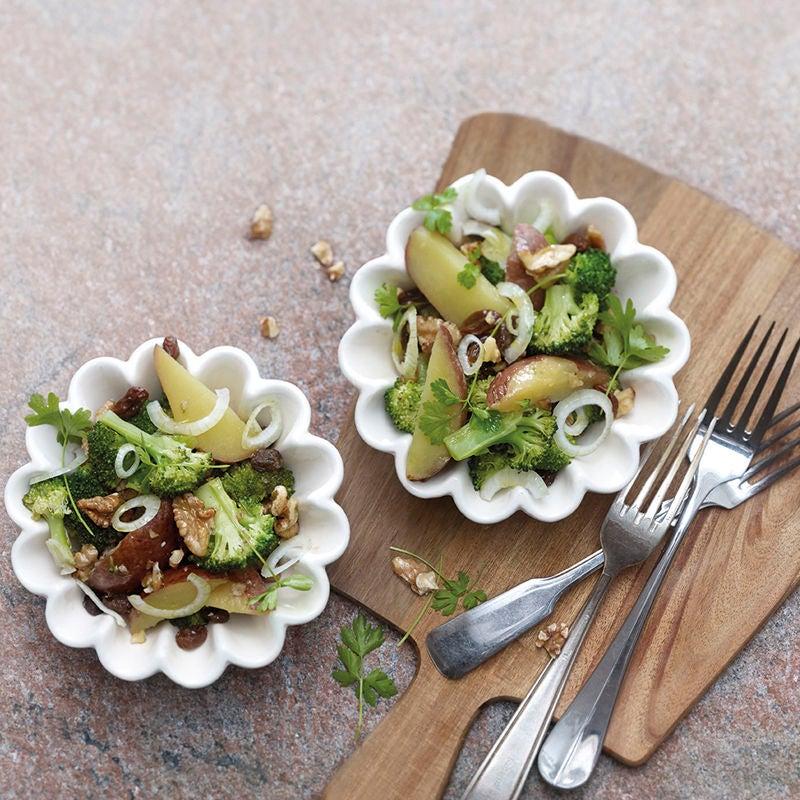 Foto Lauwarmer Broccoli-Kartoffel-Salat mit Rosinen von WW