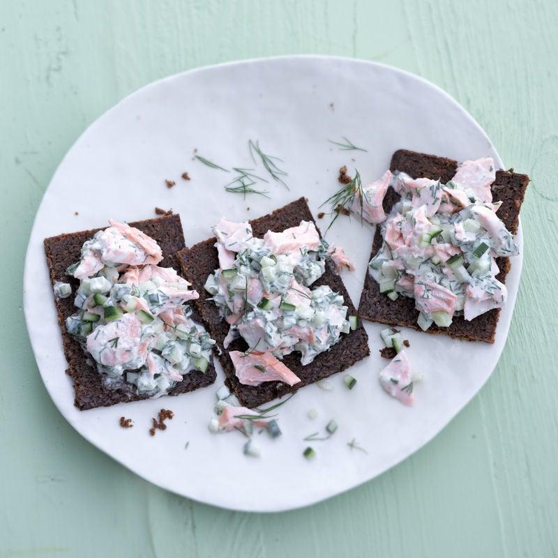 Photo de Bouchées de pumpernickel à la crème de saumon prise par WW