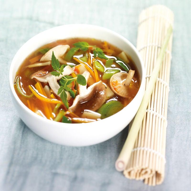 Photo de Soupe aux légumes asiatique prise par WW