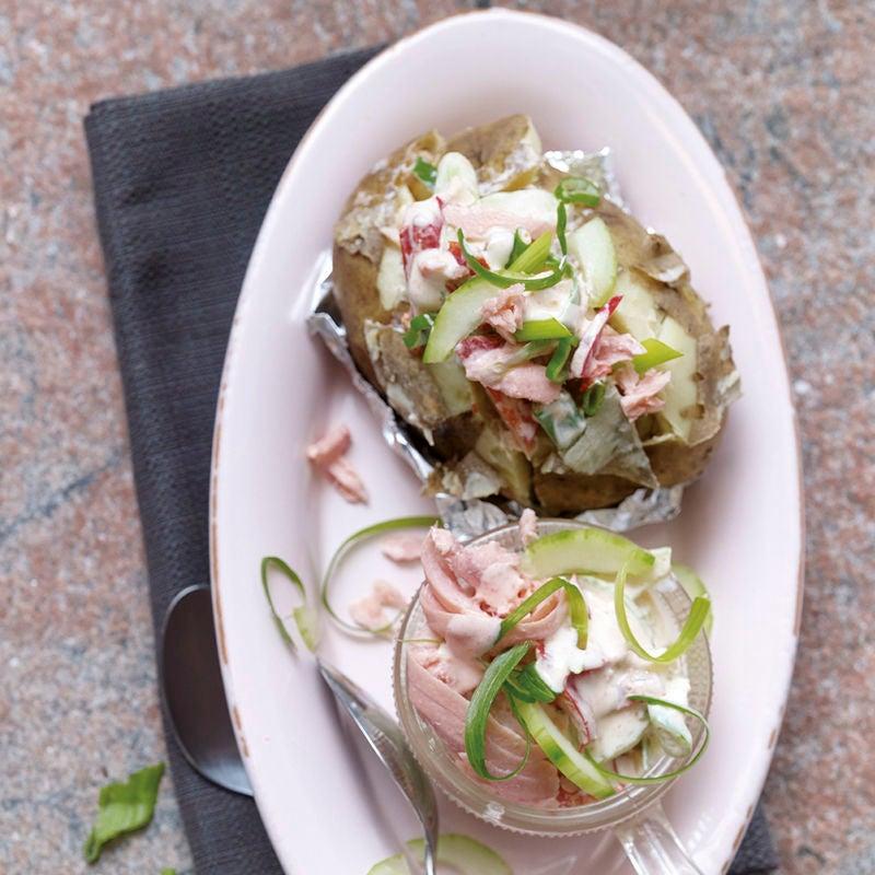 Photo de Pommes de terre au four et crudités au saumon prise par WW