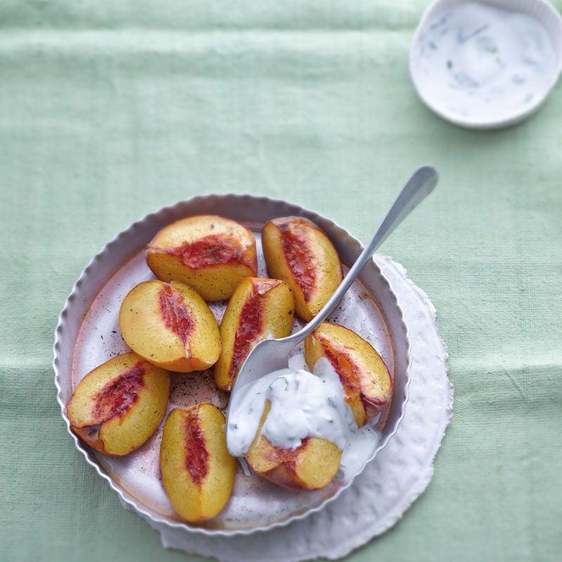 Foto Gratinierter Pfirsich mit Minzjoghurt von WW
