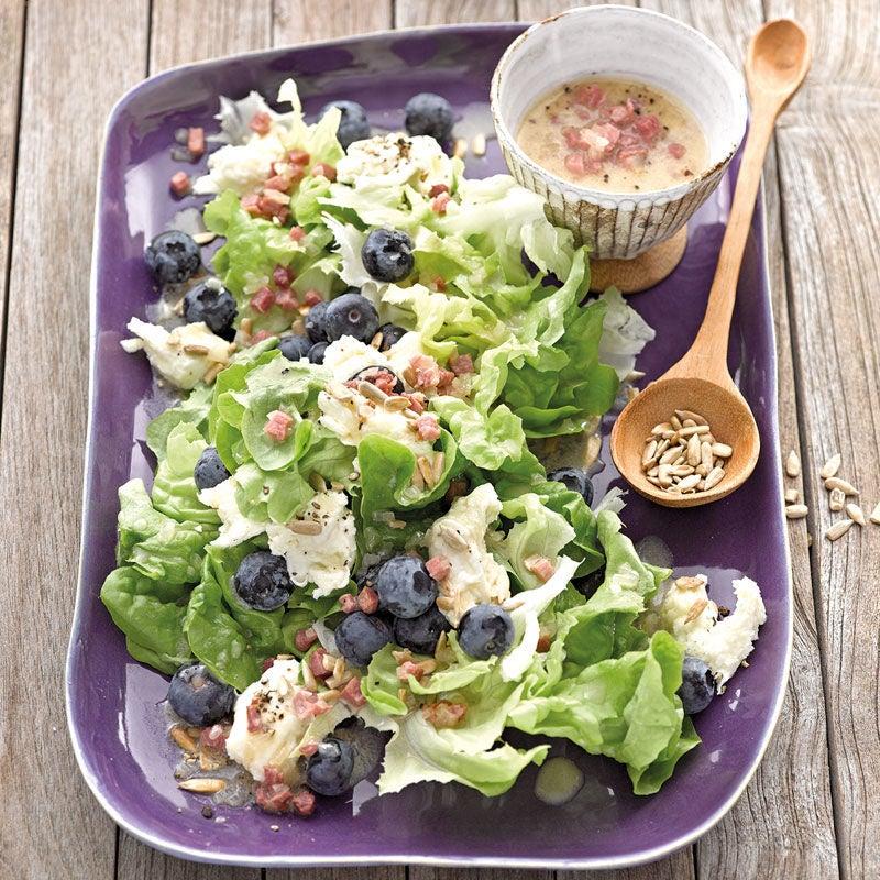 Photo de Salade de feuilles de chêne aux myrtilles et à la mozzarella prise par WW