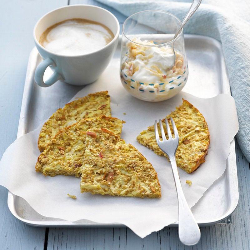 Foto Frühstückskuchen mit Apfel-Skyr-Creme von WW