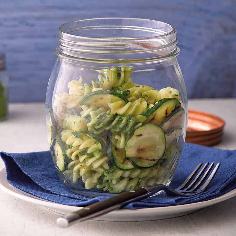 Photo de Salade de fusilli et de courgette au pesto citronné prise par WW