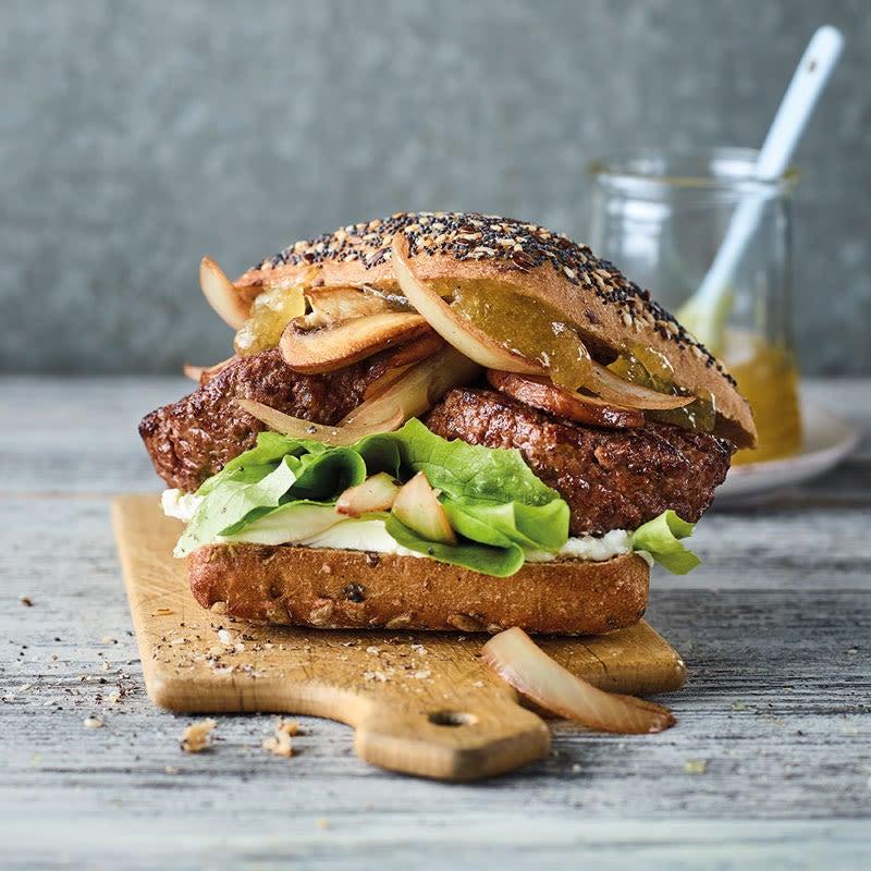 Foto Französischer Hamburger mit Ziegenkäse von WW