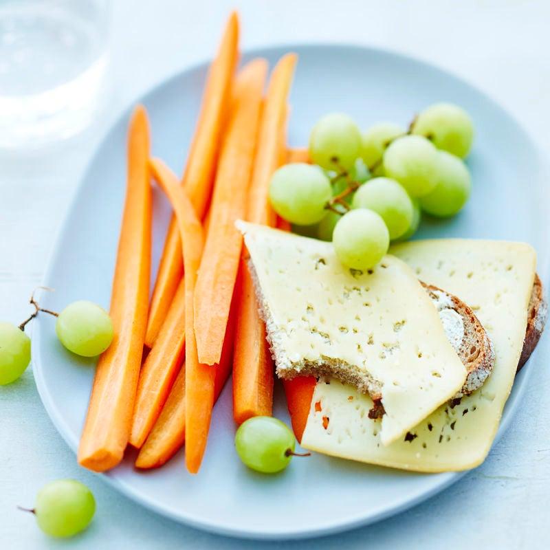 Photo de Pain au fromage, avec carottes et raisins prise par WW