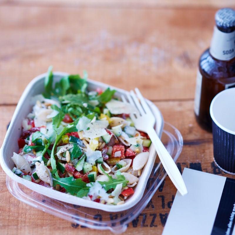 Photo de Salade de pâtes et vinaigrette au parmesan prise par WW