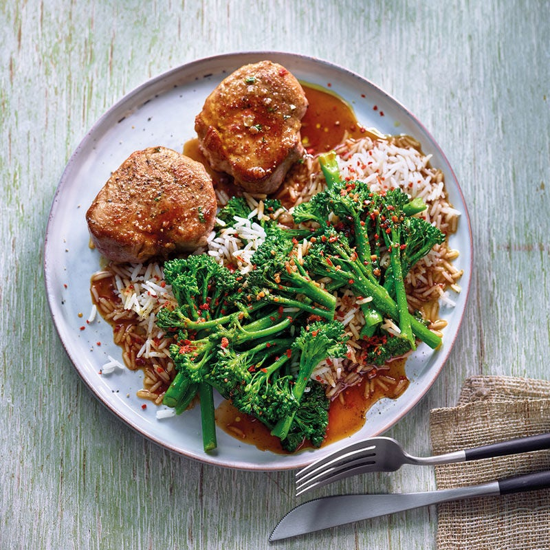 Foto Scharf-würziger Broccoli mit Schweinsfilet und Basmatireis / Scharf-würziger Broccoli mit Schweinefilet und Basmatireis von WW