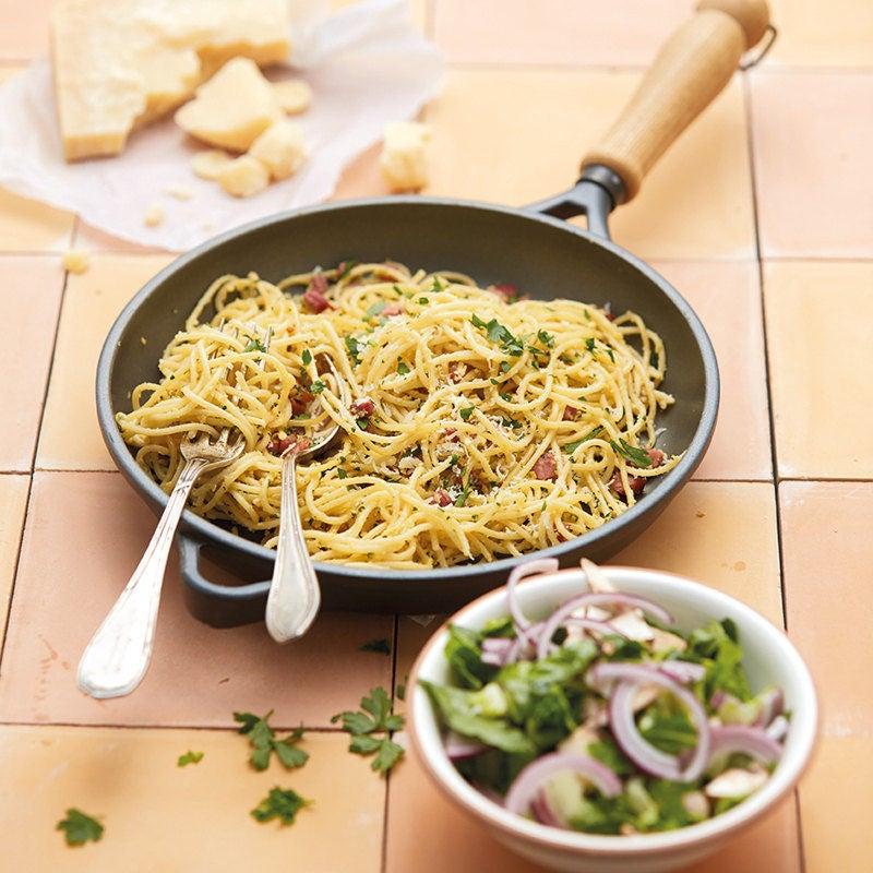 Photo de Spaghettis carbonara avec salade prise par WW
